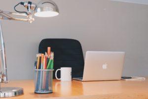 éclairage direct sur bureau